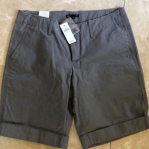gap. Bermuda shorts gray